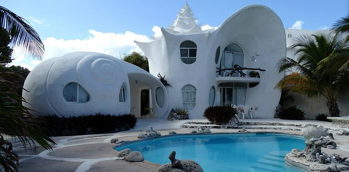 The Shell House - Casa Caracol - Who Lives In A Shell By The Sea? You Do