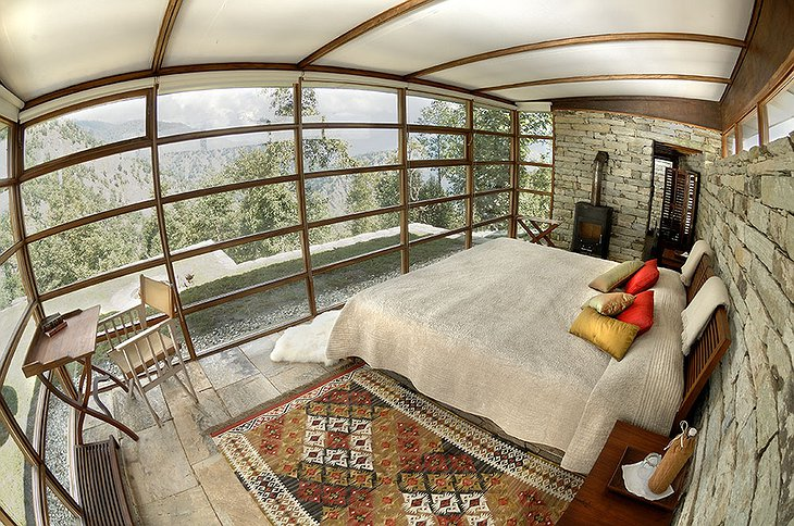 Shakti 360 Leti room with view on the Himalayas