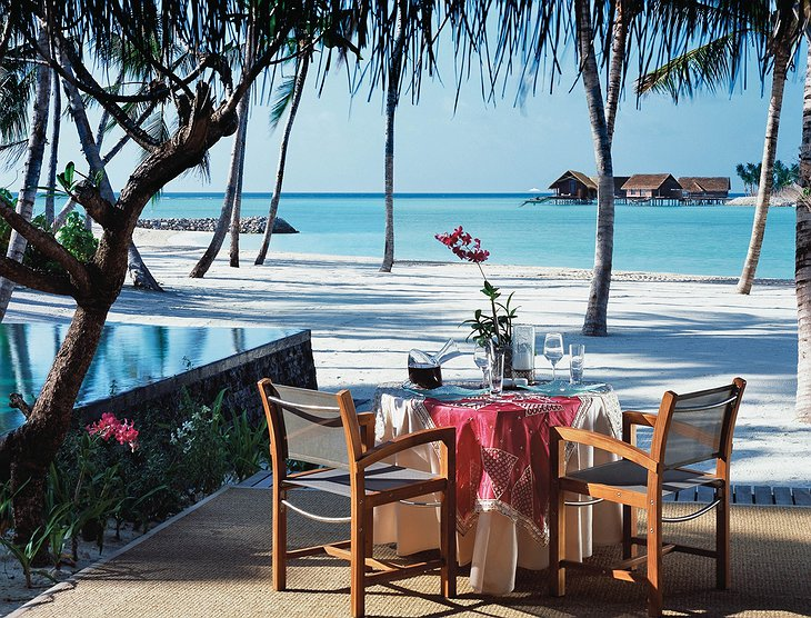 Reethi Rah private dining