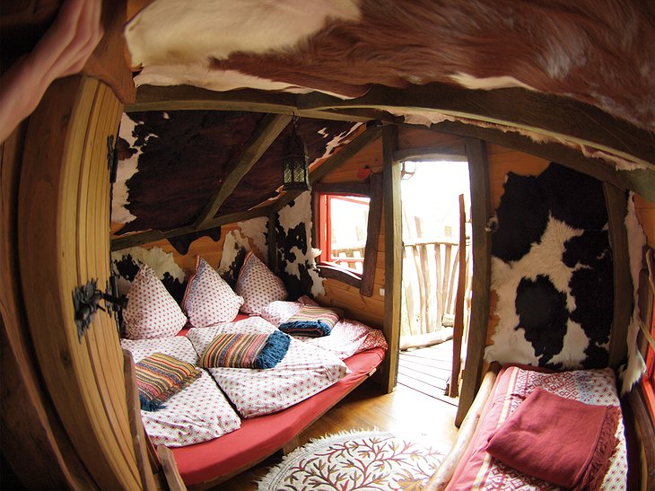Baumhaushotel treehouse bedroom
