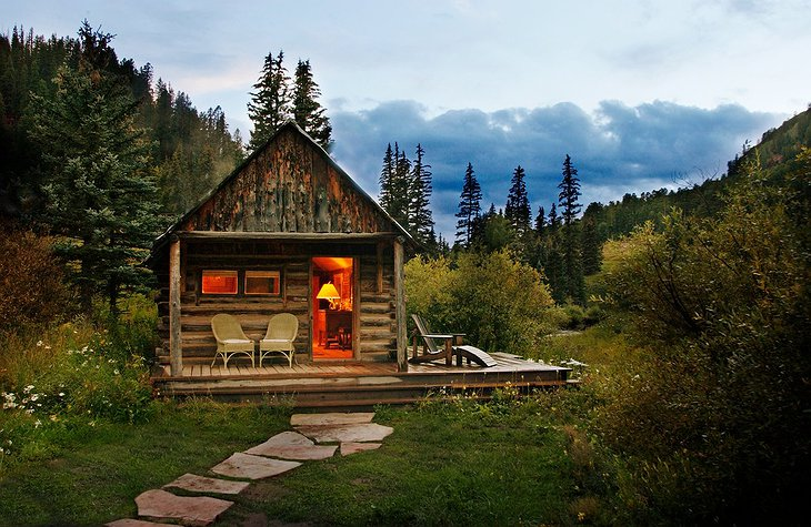 Cute small wood cabin in Colorado