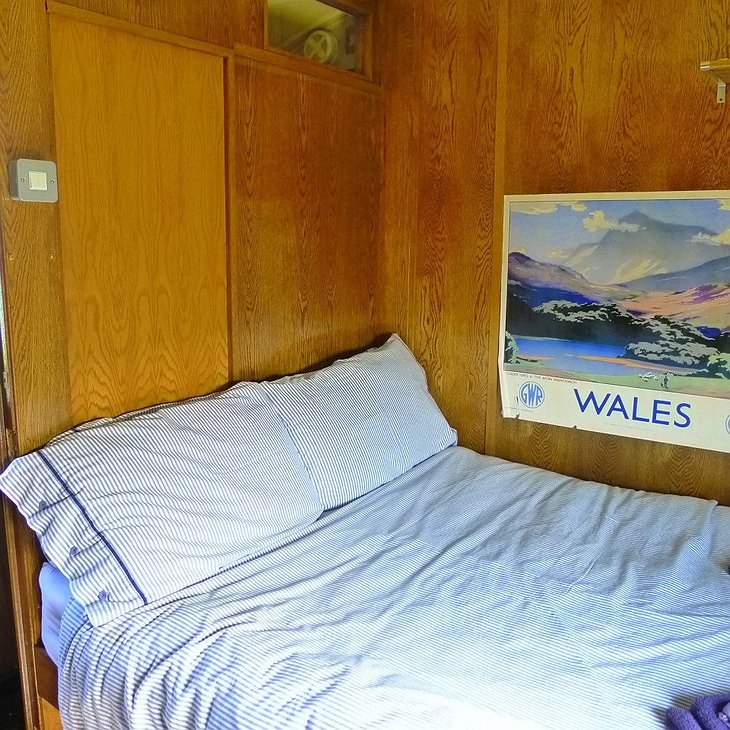 The Aberporth Express bedroom