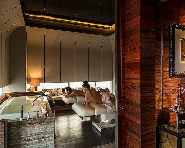 Four Seasons Hotel Pudong couple massage