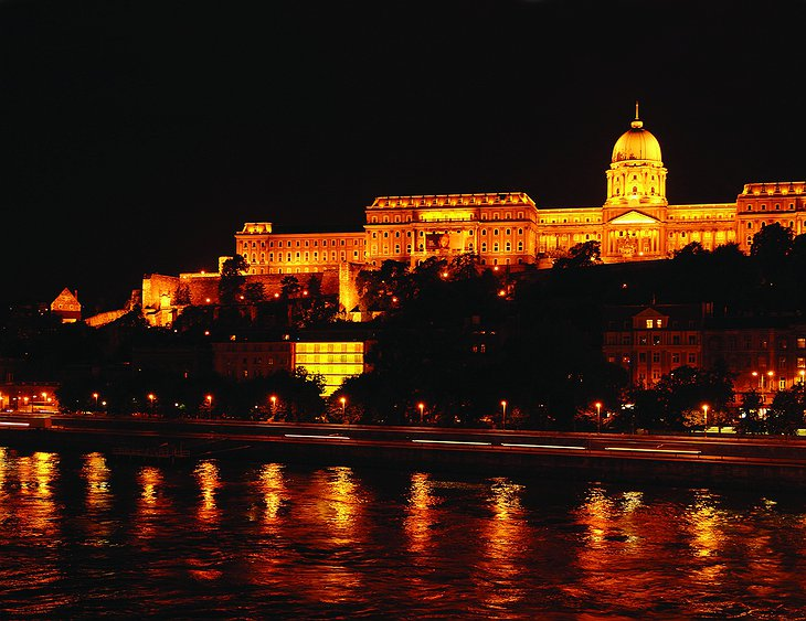 Buda Castle and Lanchid 19 Design Hotel