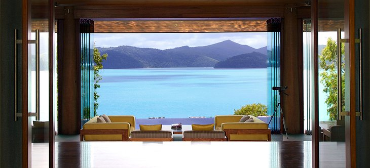 Qualia Hamilton Island table with panoramic views