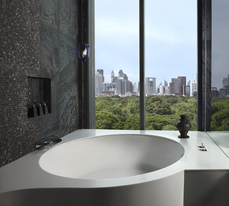 Water Element suite bathtub with city view