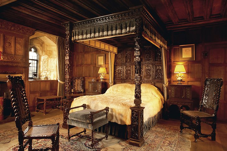 Hever Castle Henry VIII's Bedroom