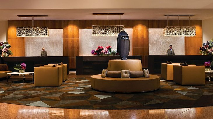 Four Seasons Sydney lobby