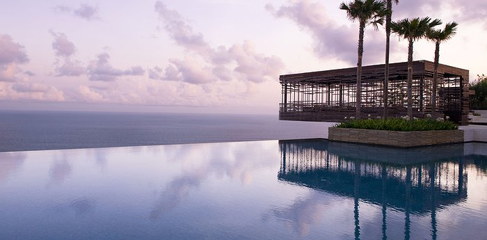 Alila Villas Uluwatu - Sustainable Luxury On The Edge Of The World