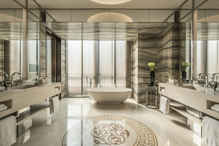 Four Seasons Dubai DIFC bathroom