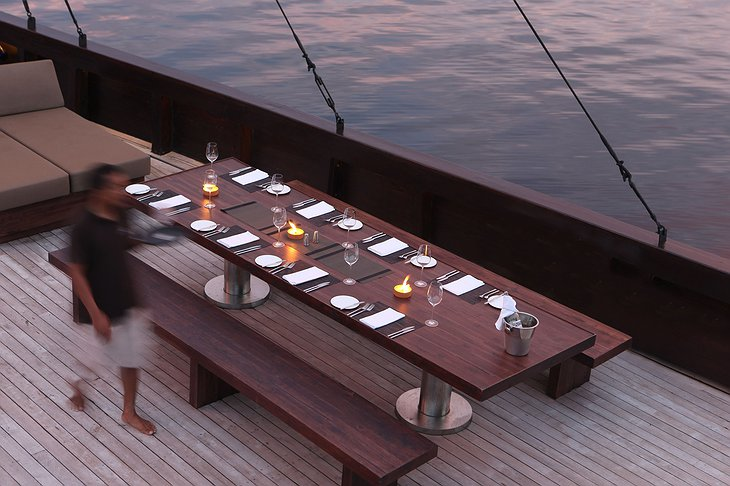 Alila Purnama dining on board