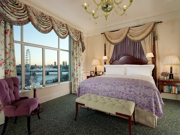 Thames Rives view room