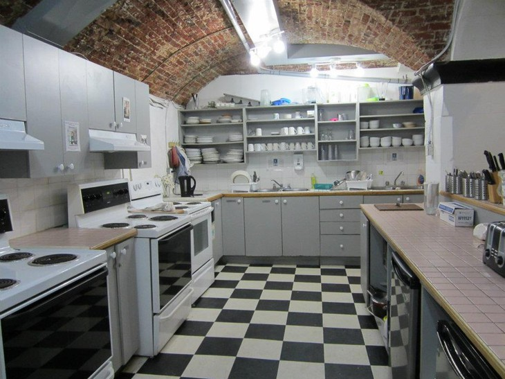 Ottawa Jail Hostel kitchen