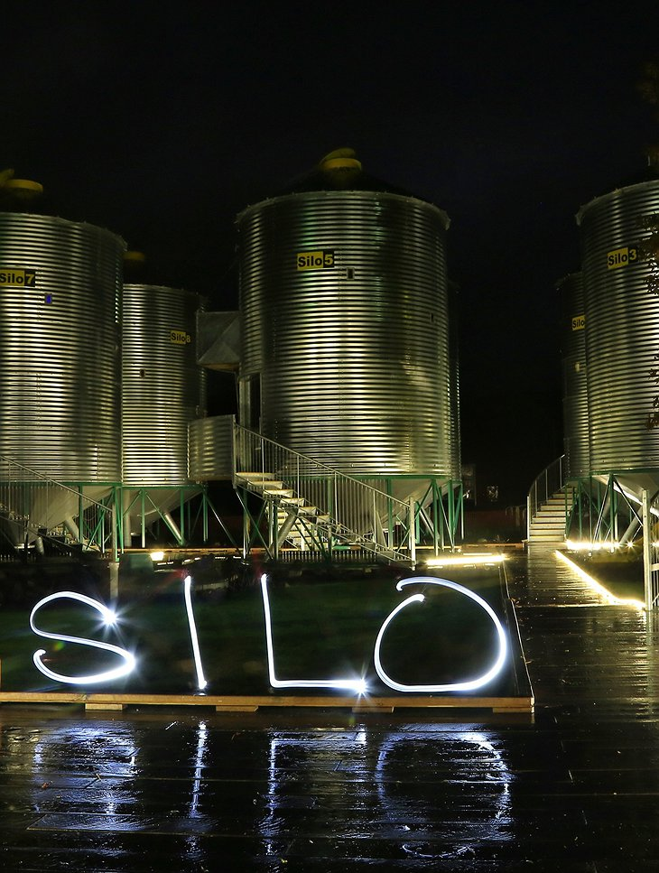 SiloStay with Silo light at night