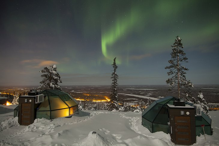 Levin Iglut igloos with Northern Lights
