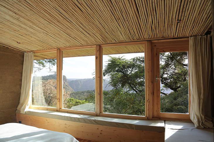 Limalimo Lodge bedroom panorama