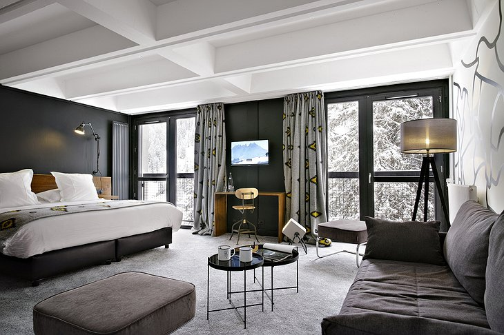 Totem Flaine Hotel suite with snowy nature view from the large windows