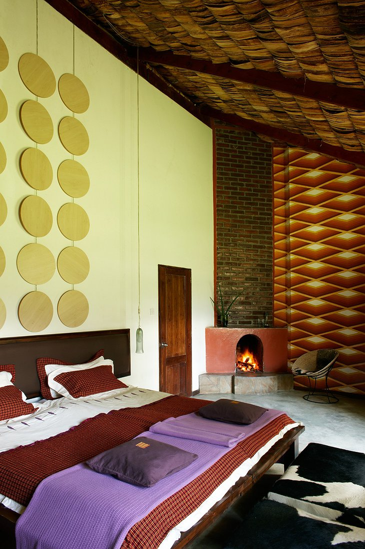 Hatari Lodge room with fireplace