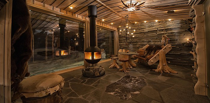 Engholm Husky Design Lodge - Go On A Husky Safari