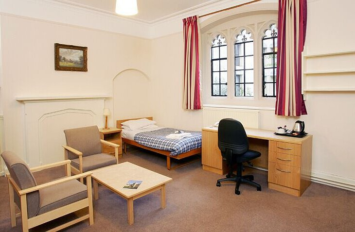 Oxford University Bed and Breakfast bedroom