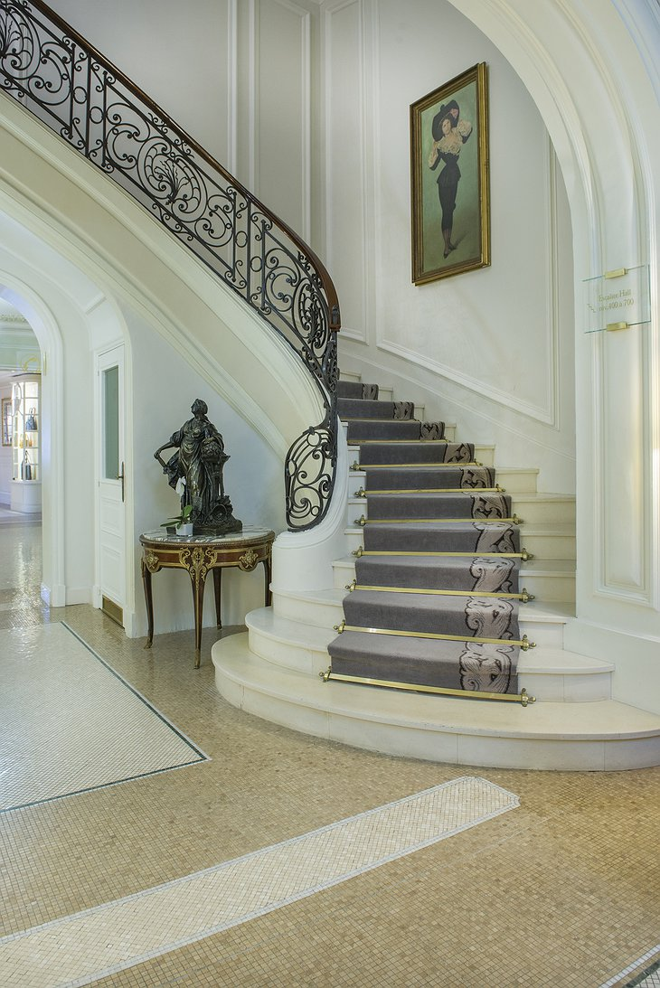 Hotel Hermitage Monte-Carlo stairs
