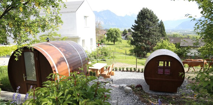 Schlaf-Fass - Sleeping in wine barrels