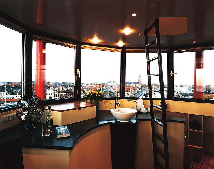 Lighthouse hotel kitchen with view on Harlingen