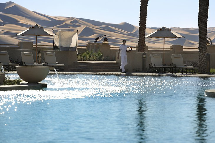 Qasr Al Sarab Desert Resort swimming pool