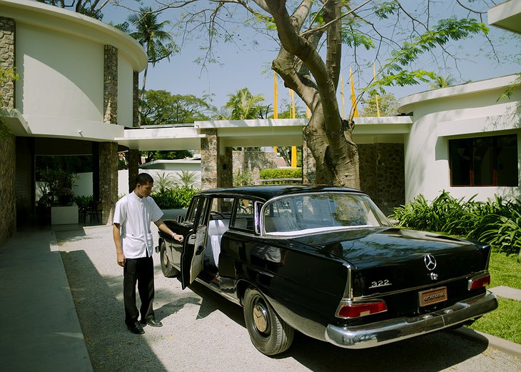 Amansara Resort with Vintage Mercedes