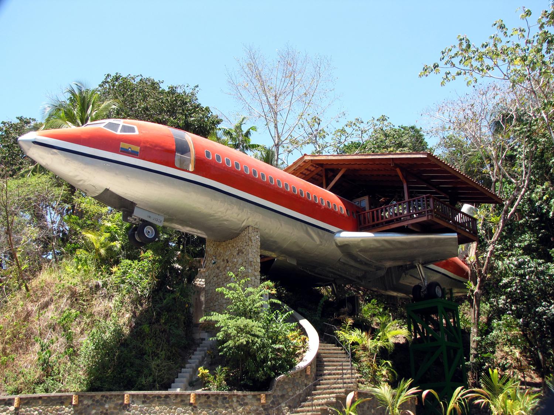 727 Fuselage Home - Luxury Suite In A Boeing