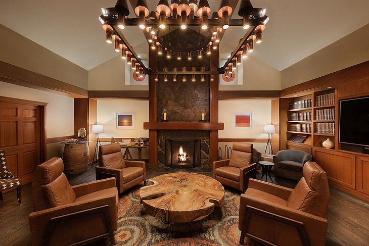 Salish Lodge Lounge