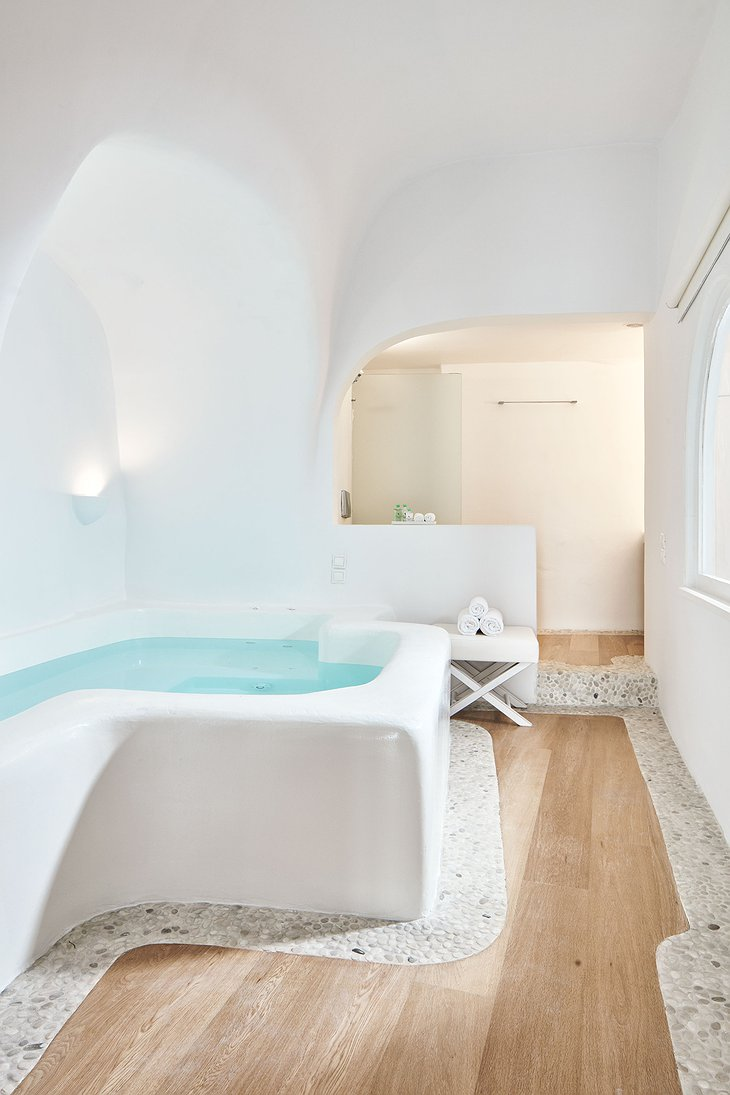 Kirini Suite indoor jacuzzi