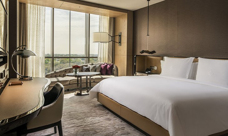Four Seasons Dubai DIFC bedroom