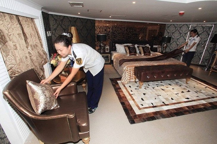 Binhai Aircraft Carrier Hotel Room Preparation