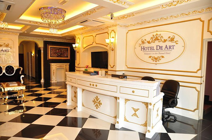 Hotel De Art check-in desk