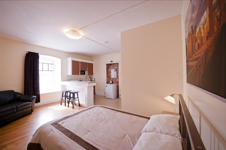 Ottawa Jail Hostel suite