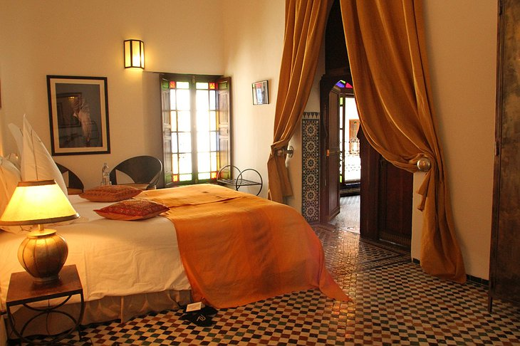 Riad Laaroussa yellow room