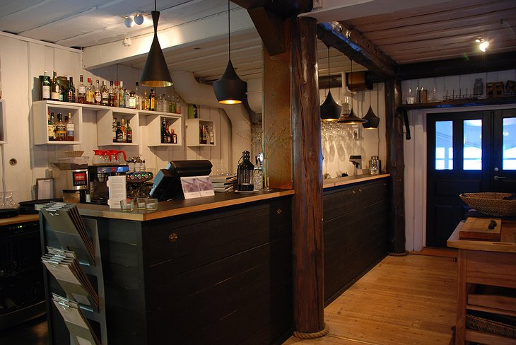 Salt and Sill hotel bar
