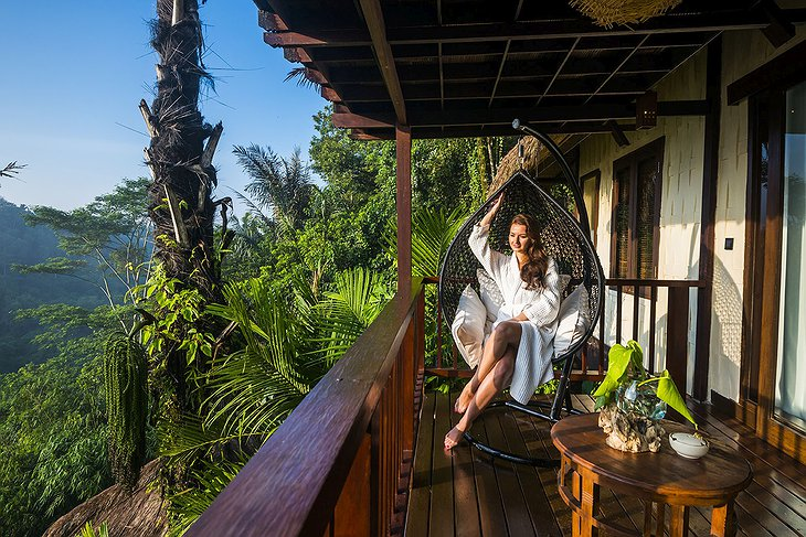 Nandini Jungle Resort Sunrise View Villa Balcony