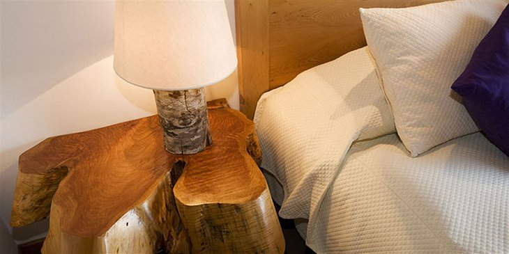 Bedside made from a tree trunk