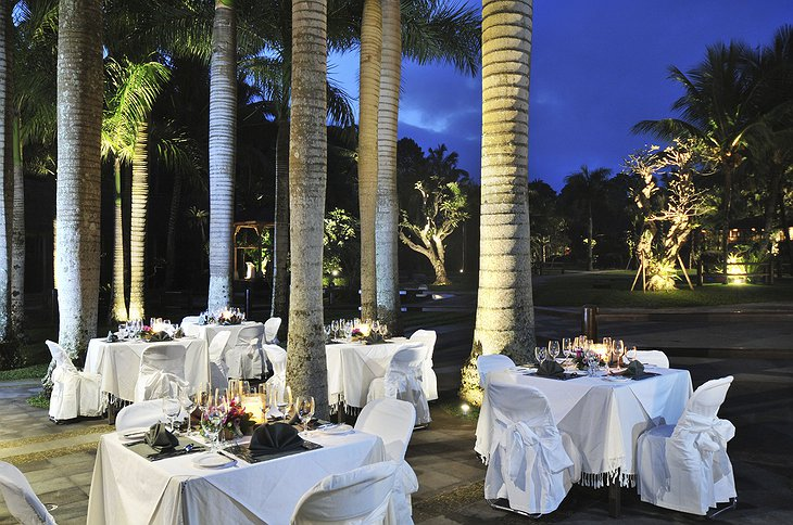 Dining in the evening at Elephant Safari Park Lodge