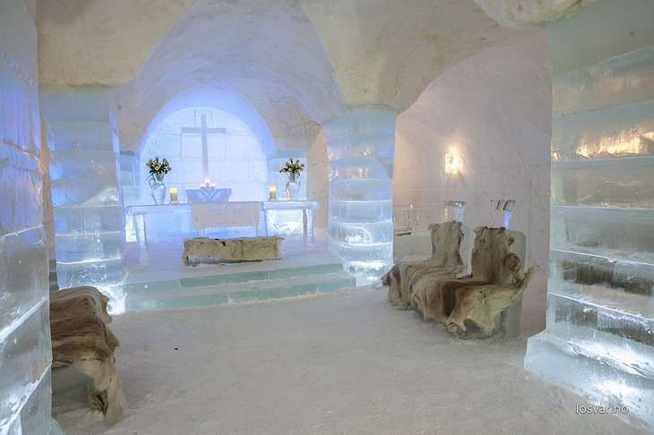 Sorrisniva Igloo Hotel ice chapel