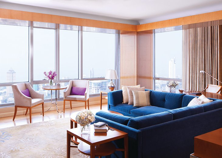 Four Seasons Hotel Mumbai living room with city views
