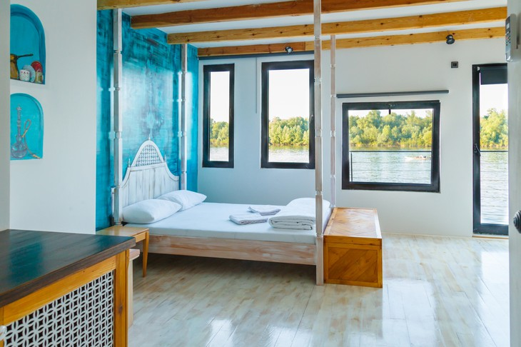 ArkaBarka Floating Hostel double bedroom with Danube panorama