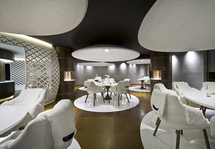 Cheval Blanc Courchevel design restaurant