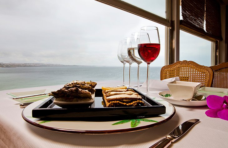 Food and wine with sea view