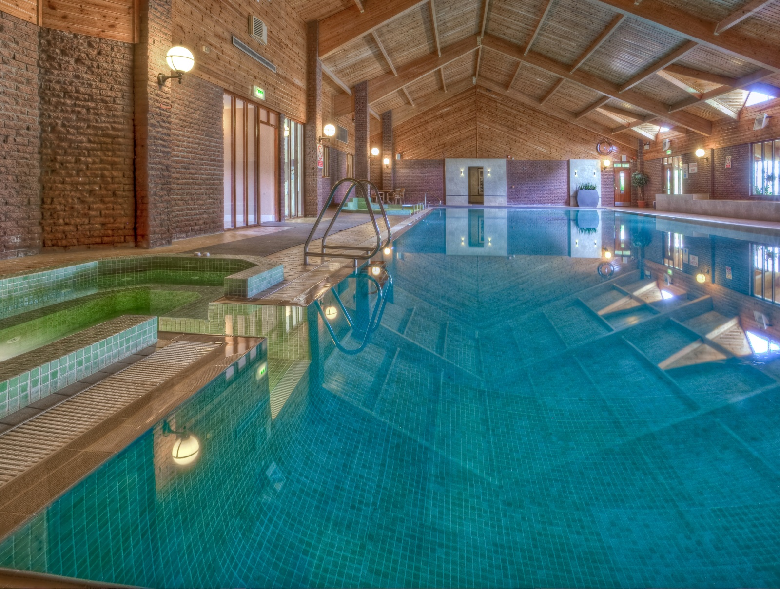Auchrannie house hotel and spa - Hotels with swimming pools in scotland ...