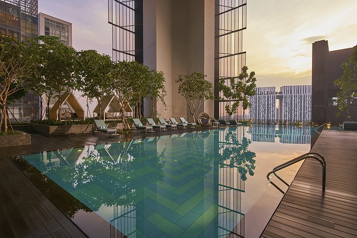 Oasia Hotel Downtown Singapore Outdoor Infinity Pool