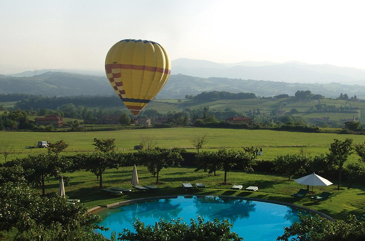 Hot air balloon flights at Chateau de Bagnols hotel