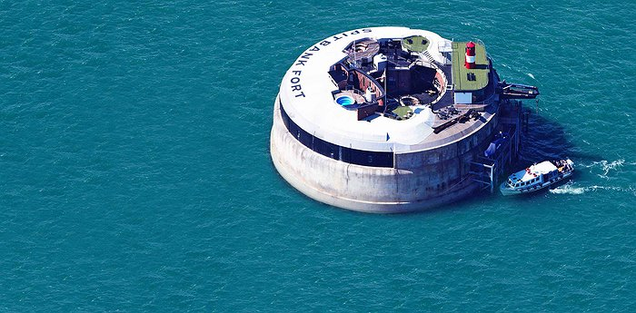 Spitbank Fort - Former Fort In A Revamped Hedonic Calculus
